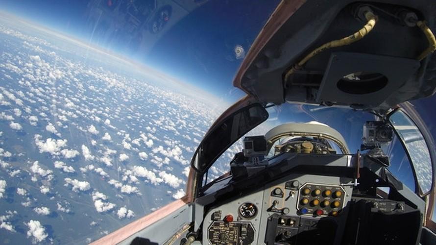 Chong mat goc anh tu buong lai tiem kich MiG-29