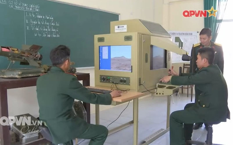 Ngac nhien he thong mo phong ban ten lua B-72 Viet Nam-Hinh-2