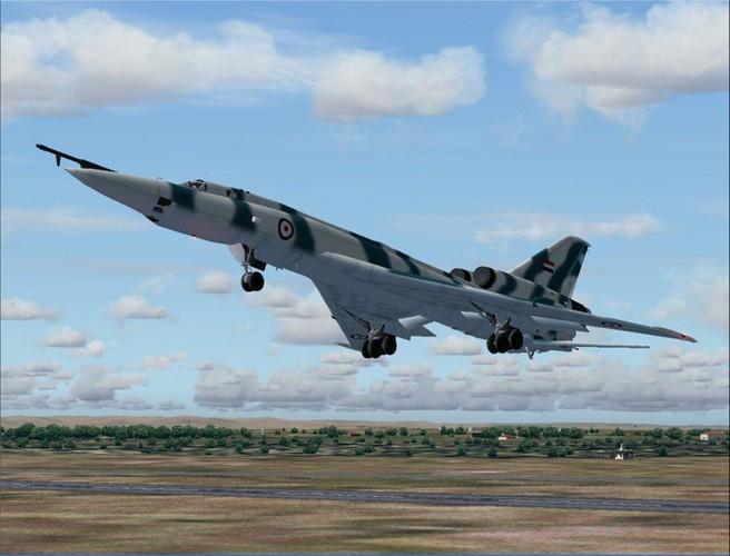 """""""Dung toc gay"""" kha nang bay """"doc"""" cua may bay Tu-22 Nga-Hinh-3"""