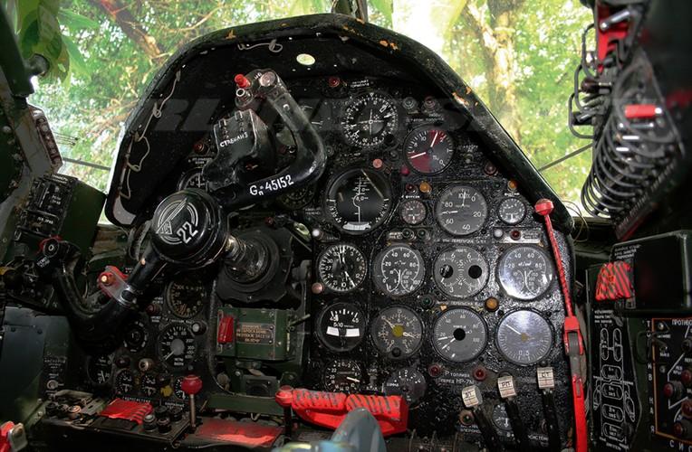 """""""Dung toc gay"""" kha nang bay """"doc"""" cua may bay Tu-22 Nga-Hinh-6"""