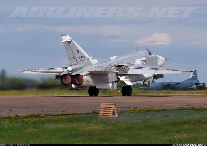 """Tiet lo """"soc"""": Syria dang co tiem kich-bom Su-24M2-Hinh-10"""