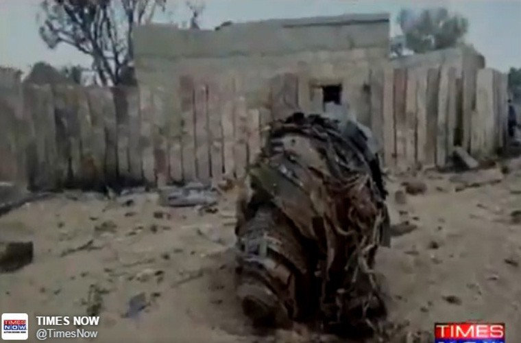 Kinh hoang hien truong tiem kich Su-30MKI dam nha dan