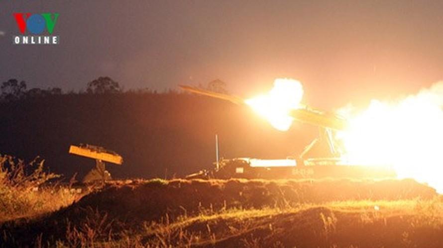 "Xuat hien ""than ho menh"" bao ve ten lua S-300 cua Viet Nam-Hinh-13"