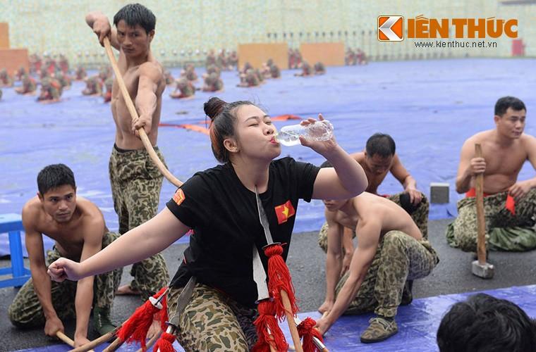 Hoanh trang sinh nhat lan thu 50 cua Dac cong Viet Nam-Hinh-14