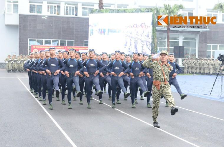 Hoanh trang sinh nhat lan thu 50 cua Dac cong Viet Nam-Hinh-5