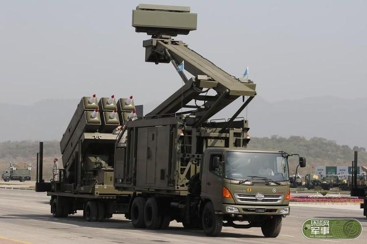 "Soi loat vu khi ""khung"" Quan doi Pakistan dem ra duyet binh-Hinh-10"