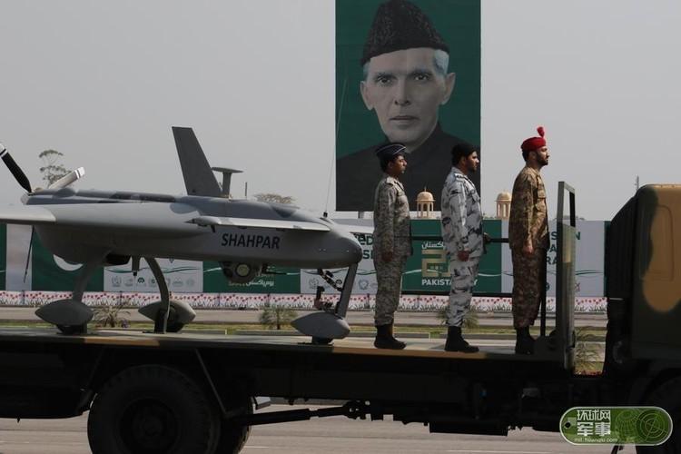 "Soi loat vu khi ""khung"" Quan doi Pakistan dem ra duyet binh-Hinh-12"
