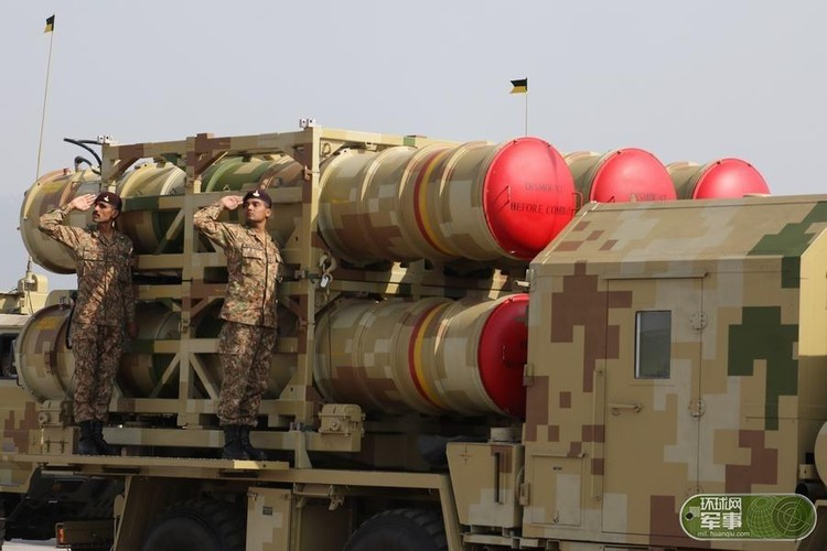 "Soi loat vu khi ""khung"" Quan doi Pakistan dem ra duyet binh-Hinh-13"