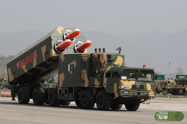 "Soi loat vu khi ""khung"" Quan doi Pakistan dem ra duyet binh-Hinh-6"