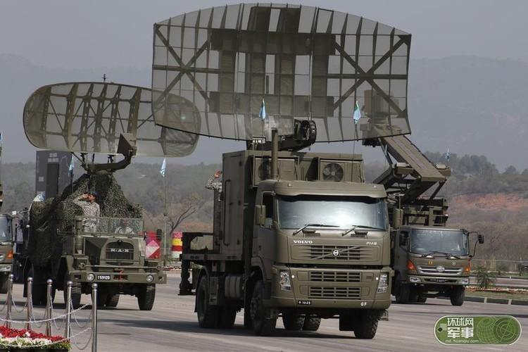 "Soi loat vu khi ""khung"" Quan doi Pakistan dem ra duyet binh-Hinh-9"