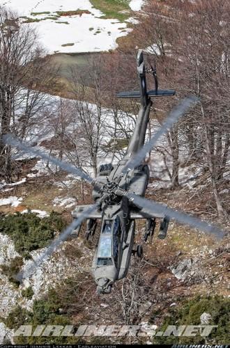 "Truc thang Apache xuat hien o Syria, phien quan IS ""khoc thet""-Hinh-12"