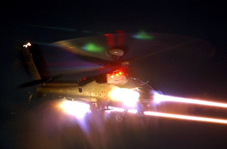 "Truc thang Apache xuat hien o Syria, phien quan IS ""khoc thet""-Hinh-2"