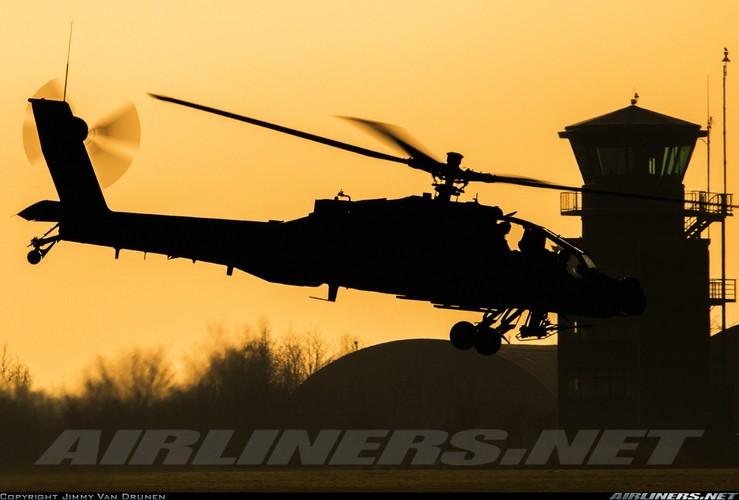 "Truc thang Apache xuat hien o Syria, phien quan IS ""khoc thet""-Hinh-5"