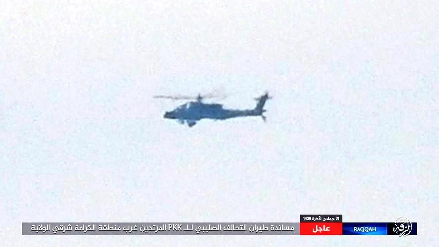 "Truc thang Apache xuat hien o Syria, phien quan IS ""khoc thet"""