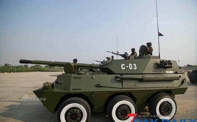 """Giat minh dan vu khi """"khung"""" Quan doi Myanmar duyet binh-Hinh-3"""