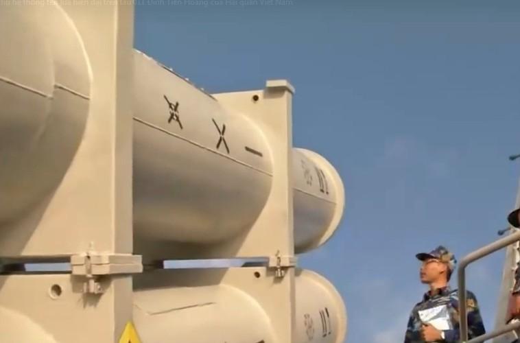 Qua gioi: Viet Nam nang cap radar dan ban ten lua Uran-Hinh-7