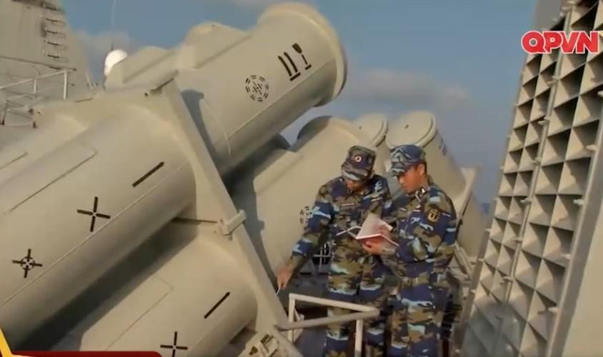Qua gioi: Viet Nam nang cap radar dan ban ten lua Uran-Hinh-8