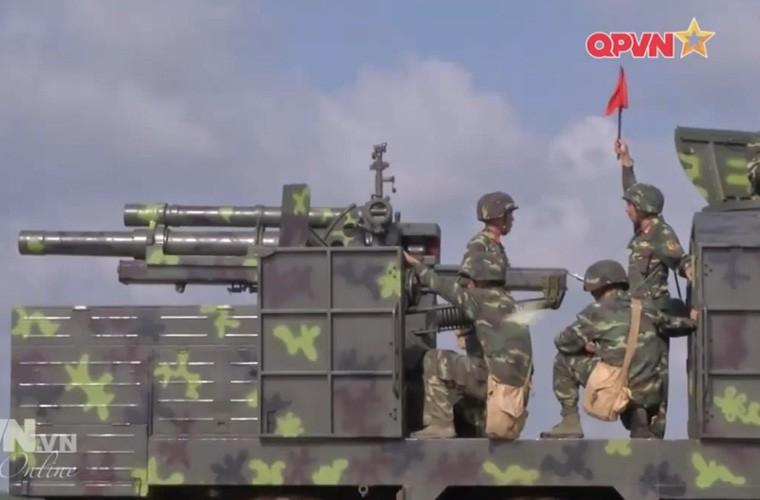 Viet Nam ban thu nghiem phao tu hanh 105mm kieu moi-Hinh-17