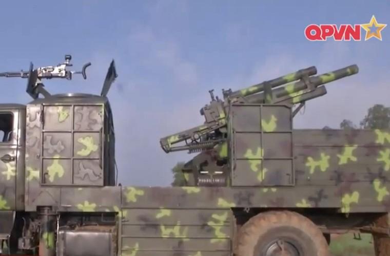 Viet Nam ban thu nghiem phao tu hanh 105mm kieu moi-Hinh-18