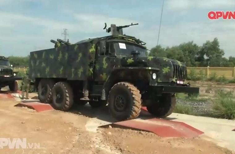 Viet Nam ban thu nghiem phao tu hanh 105mm kieu moi-Hinh-6
