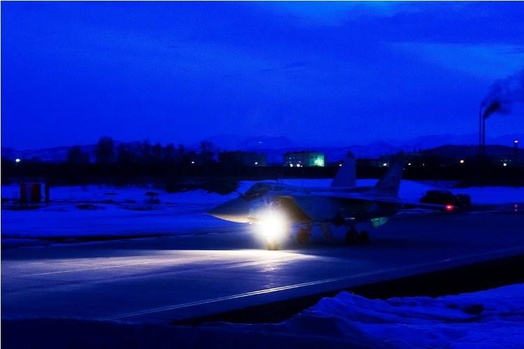 Muc kich cuoc di san dem cua may bay MiG-31-Hinh-10