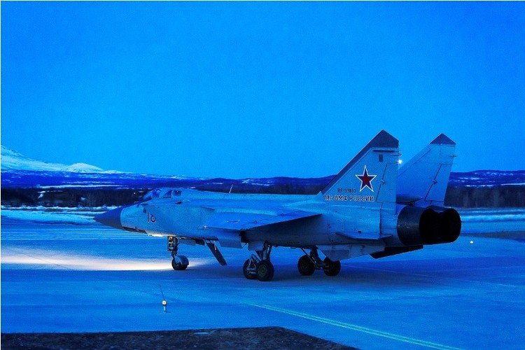 Muc kich cuoc di san dem cua may bay MiG-31-Hinh-11