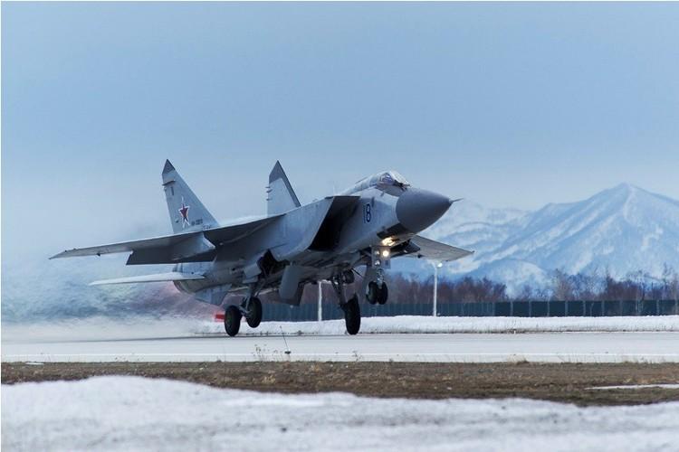 Muc kich cuoc di san dem cua may bay MiG-31-Hinh-3