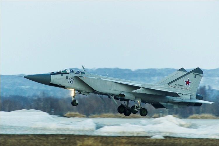 Muc kich cuoc di san dem cua may bay MiG-31-Hinh-4
