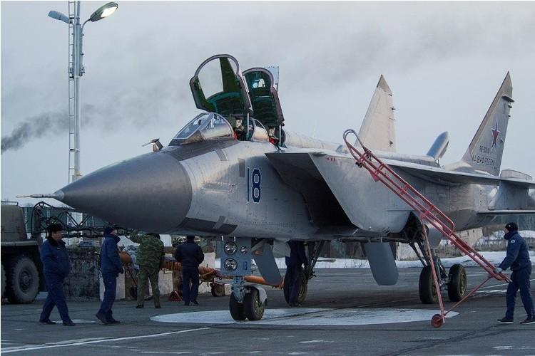 Muc kich cuoc di san dem cua may bay MiG-31-Hinh-5