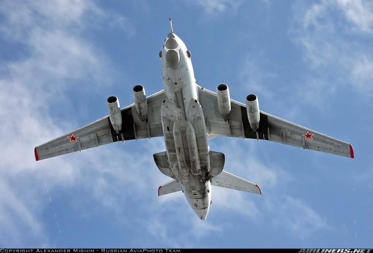 """Kho hieu """"bong ma"""" A-50U lon von tren bau troi Syria-Hinh-2"""