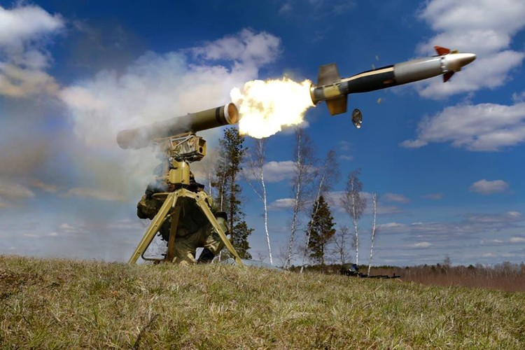 """Ten lua Kornet """"tat vo mat"""" sieu tang M1 Abrams o Iraq-Hinh-13"""