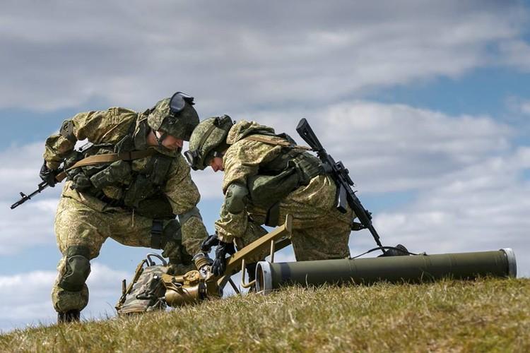 """Ten lua Kornet """"tat vo mat"""" sieu tang M1 Abrams o Iraq-Hinh-8"""