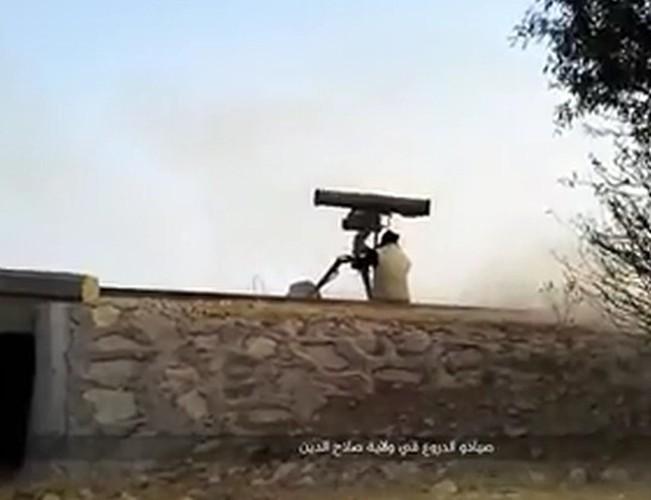 "Ten lua Kornet ""tat vo mat"" sieu tang M1 Abrams o Iraq"