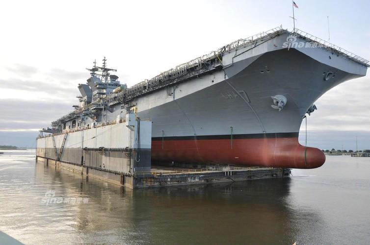 To khung khiep tau do bo USS Tripoli cua Hai quan My-Hinh-2