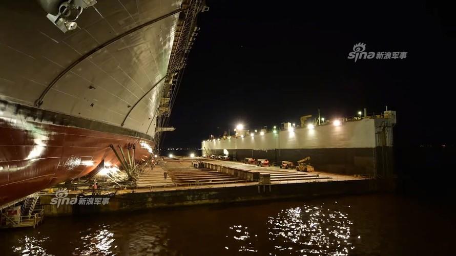 To khung khiep tau do bo USS Tripoli cua Hai quan My-Hinh-5
