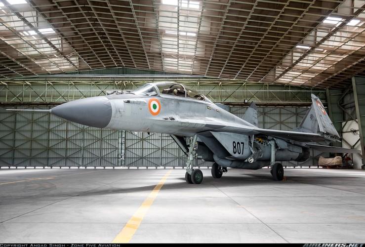 Hien truong MiG-29K gap nan lat ngua, chong vo-Hinh-5