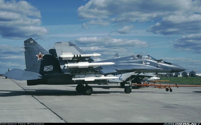 Hien truong MiG-29K gap nan lat ngua, chong vo-Hinh-8