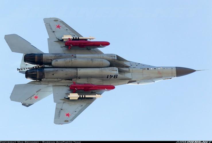 Hien truong MiG-29K gap nan lat ngua, chong vo-Hinh-9