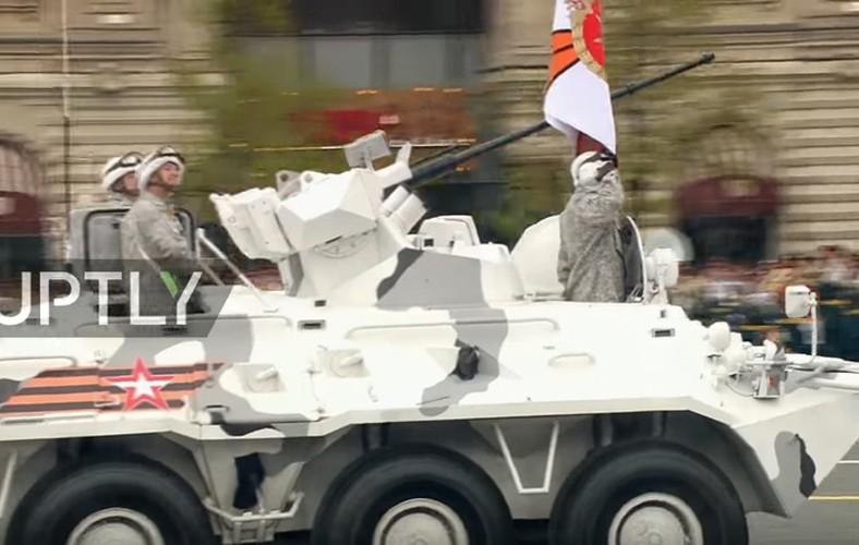 Tron bo dan vu khi Bac Cuc trong duyet binh 9/5 Nga-Hinh-3