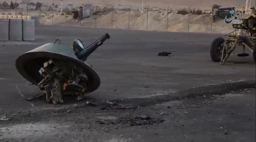 Kinh di: Xe thiet giap BTR-80 Nga bi ban bay thap phao-Hinh-2