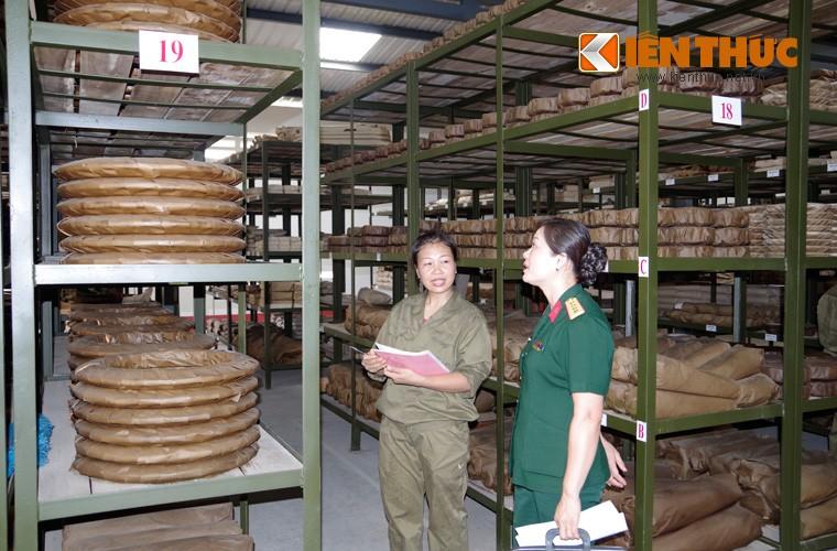 Mot ngay lam viec kho du tru tang thiet giap Viet Nam-Hinh-9