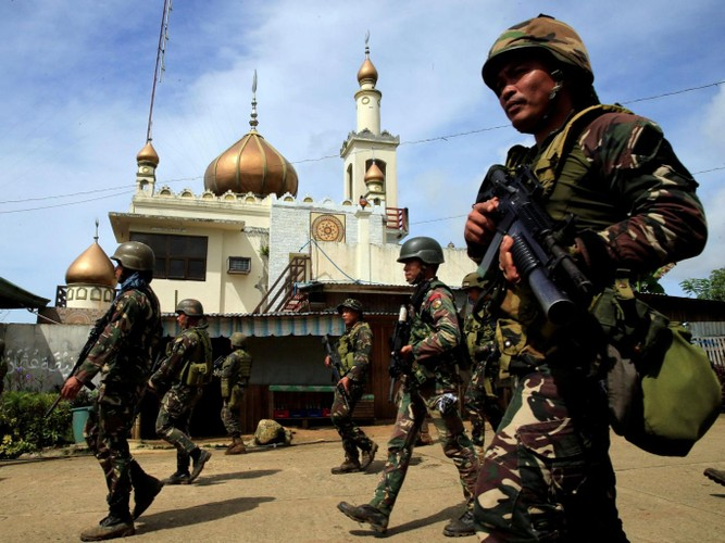 Quan doi Philippines co danh bai duoc khung bo, tai chiem Marawi?-Hinh-3