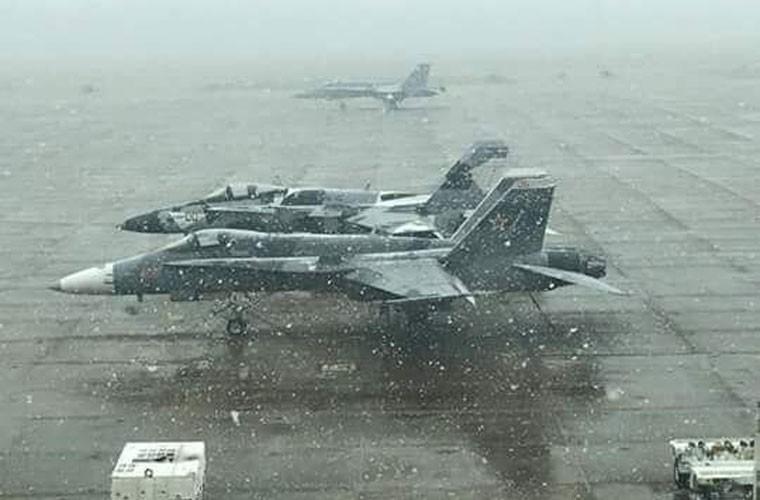 My dinh lam gi khi son F/A-18 giong het Su-34 Nga?-Hinh-4