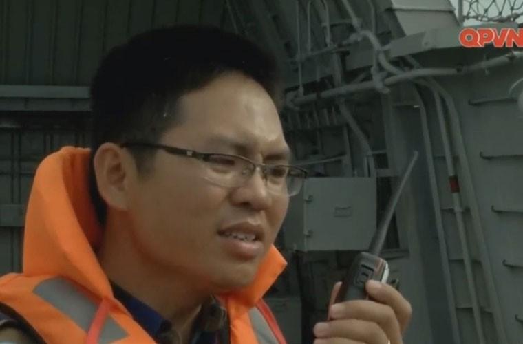 Bat ngo hangar truc thang cua chien ham Gepard Viet Nam-Hinh-5