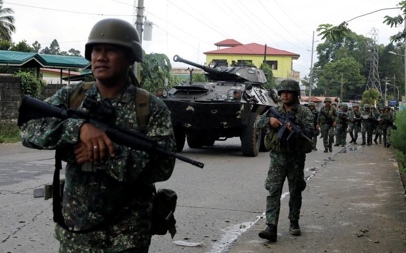 Kho do: Philippines boc bia giay cho xe thiet giap chong IS-Hinh-8