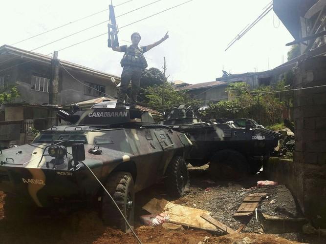 Kho do: Philippines boc bia giay cho xe thiet giap chong IS-Hinh-9