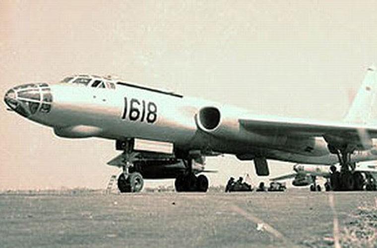 That kinh dan may bay Khong quan Indonesia nhung nam 1960-Hinh-2