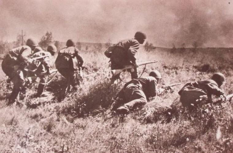Loat anh cuc hiem tran chien dam mau Smolensk trong CTTG 2-Hinh-11