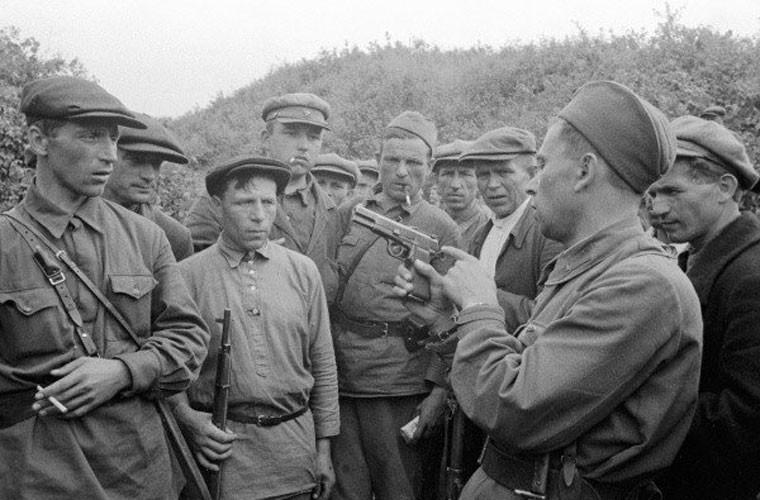 Loat anh cuc hiem tran chien dam mau Smolensk trong CTTG 2-Hinh-12