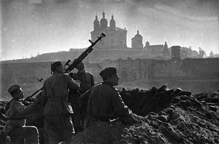 Loat anh cuc hiem tran chien dam mau Smolensk trong CTTG 2-Hinh-6